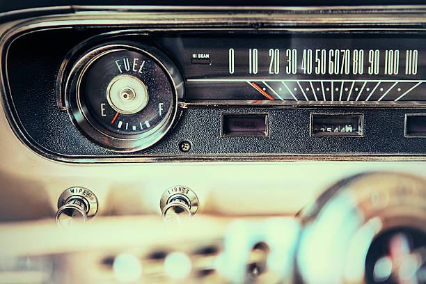 mustang mileometer - alten muscle cars stock-fotos und bilder