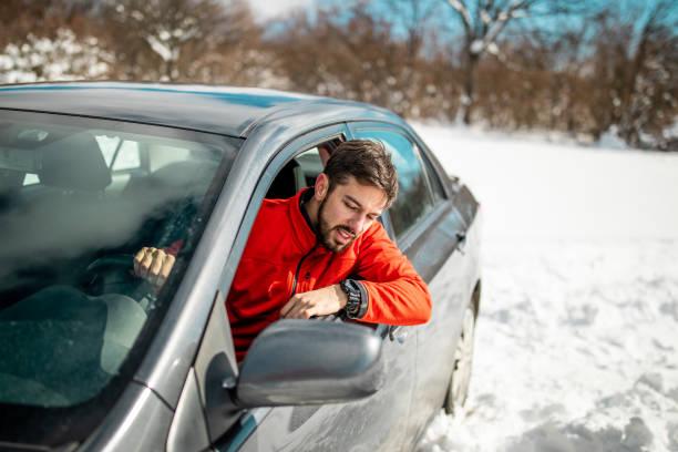 Mein Auto steckt im Schnee fest – Foto