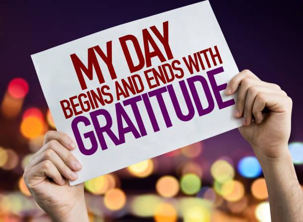 mein tag beginnt und endet mit dankbarkeit - gott sei dank stock-fotos und bilder