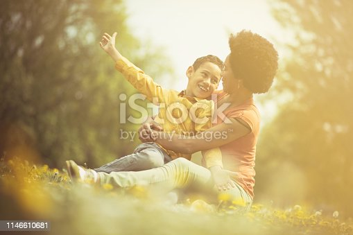 1091098026istockphoto My love is big. 1146610681
