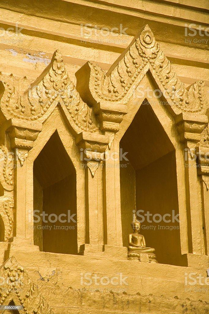 Birmanie (Myanmar): Golden Statue de Bouddha en or Pagode Niche photo libre de droits