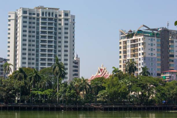 myanmar: kandawgyi lake - burma home do zdjęcia i obrazy z banku zdjęć