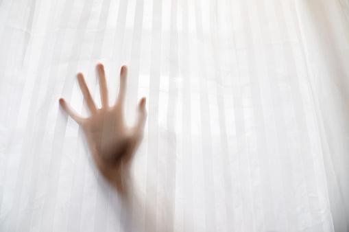 Mysterieuze Hand Stockfoto en meer beelden van Aanraken