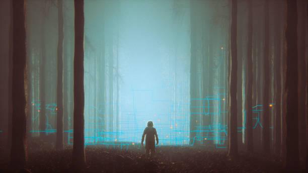Floresta de mistério com o astronauta perdida - foto de acervo