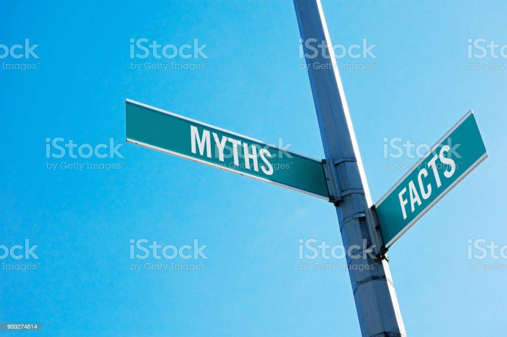 Myter och fakta bildbanksfoto