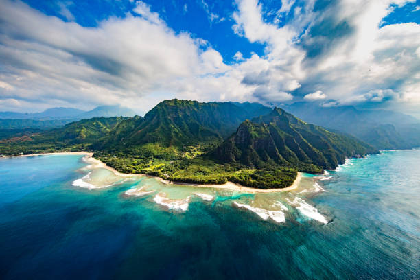 na pali coast - pacific islands stock pictures, royalty-free photos & images