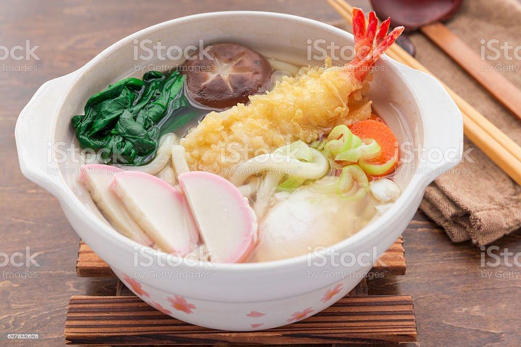nabeyaki udon, japanese hot pot noodle ストックフォト