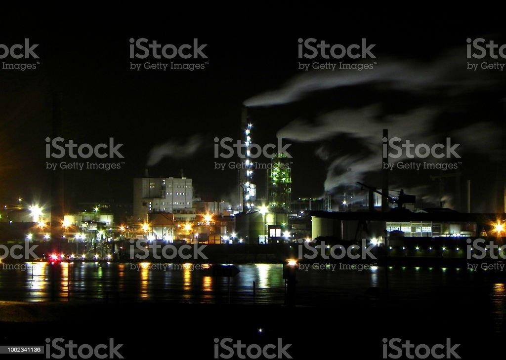 Nachtfabrik am Rhein stock photo