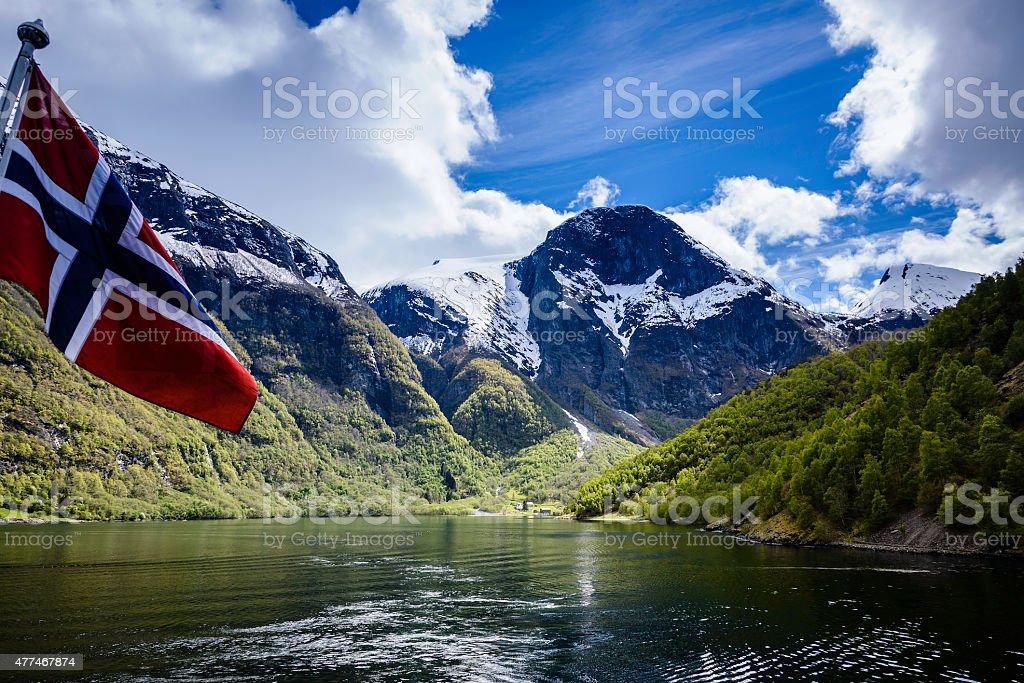 Fiorde de Naeroyfjord, Noruega - fotografia de stock