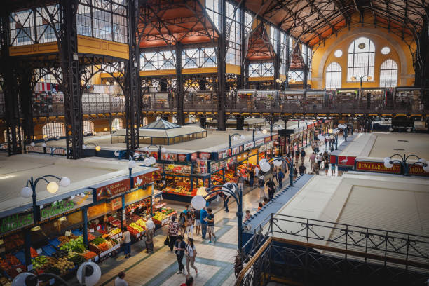 納吉 vásárcsarnok (中央市場大廳) 在布達佩斯。 - 匈牙利文化 個照片及圖片檔