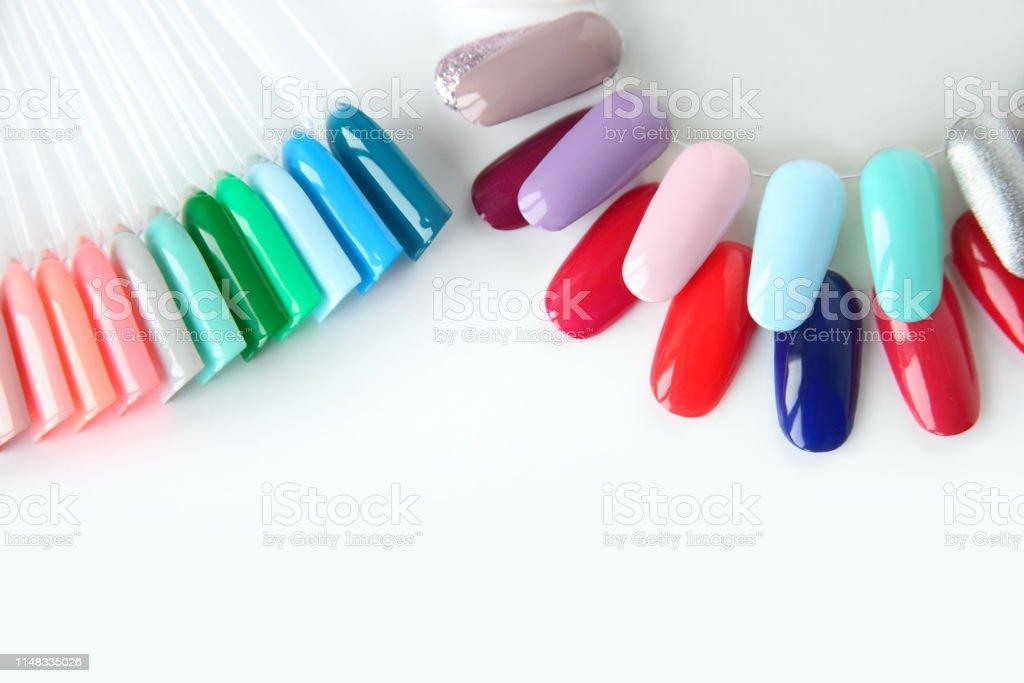 Muestras De Esmalte De Uñas En Diferentes Colores Brillantes