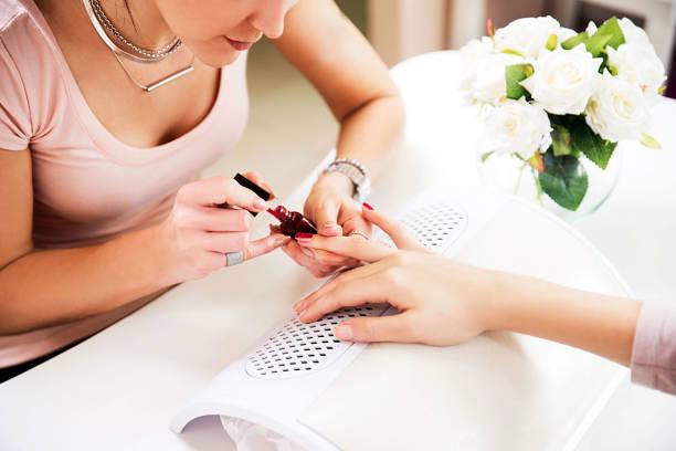 Salón de belleza para manicura - foto de stock