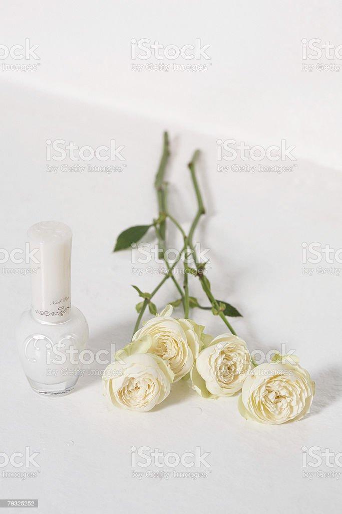 Nail varnish and roses royalty-free 스톡 사진