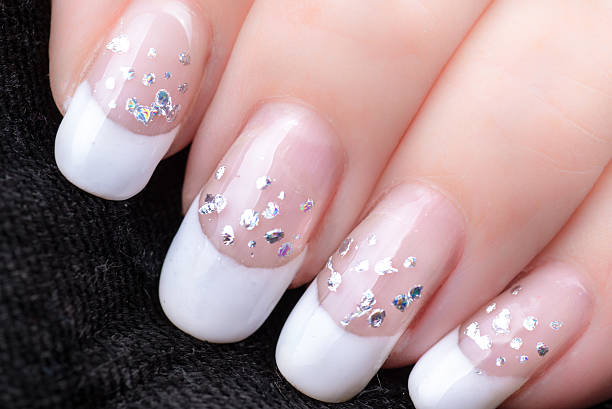 Nageldesign Weiss French Bilder Und Stockfotos Istock