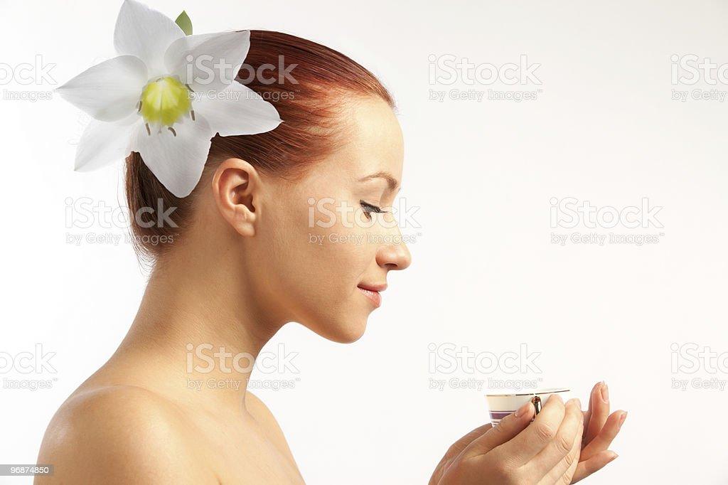 Nackt Mädchen mit Blumen in den Haaren Lizenzfreies stock-foto