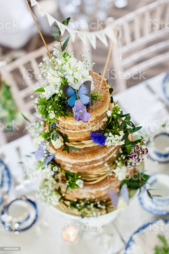 Nu Gateau De Mariage Avec Des Fleurs Comestible Photos Et Plus D