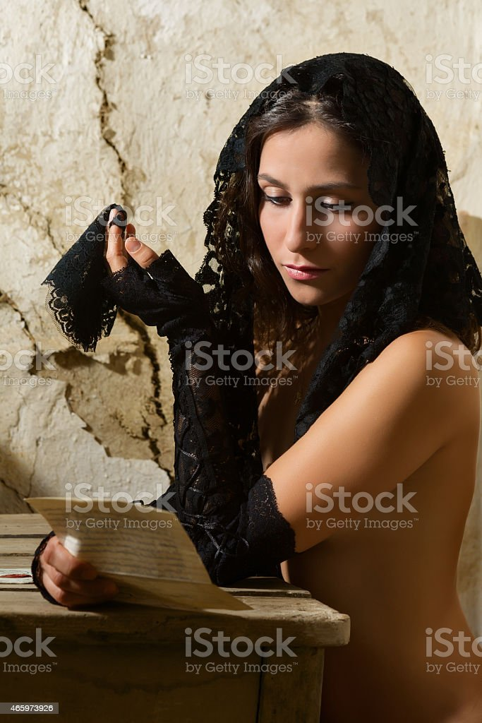 the black widow nackt