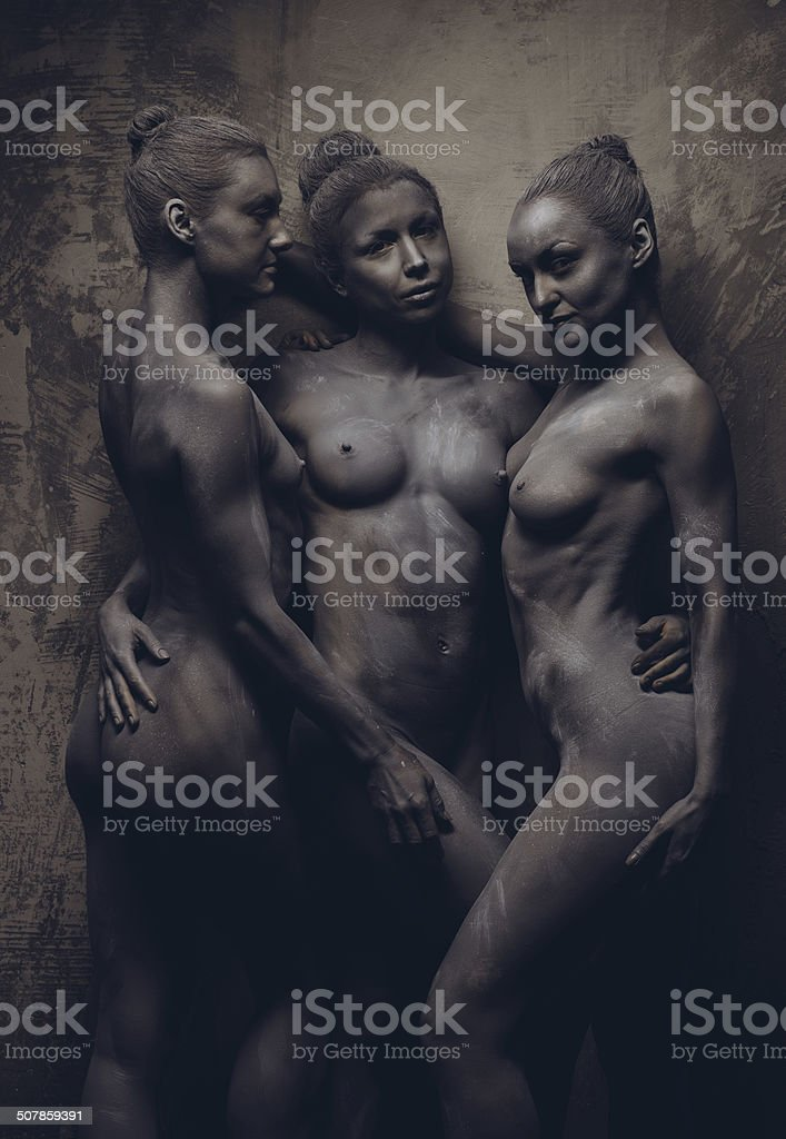 Color images of women posing nude