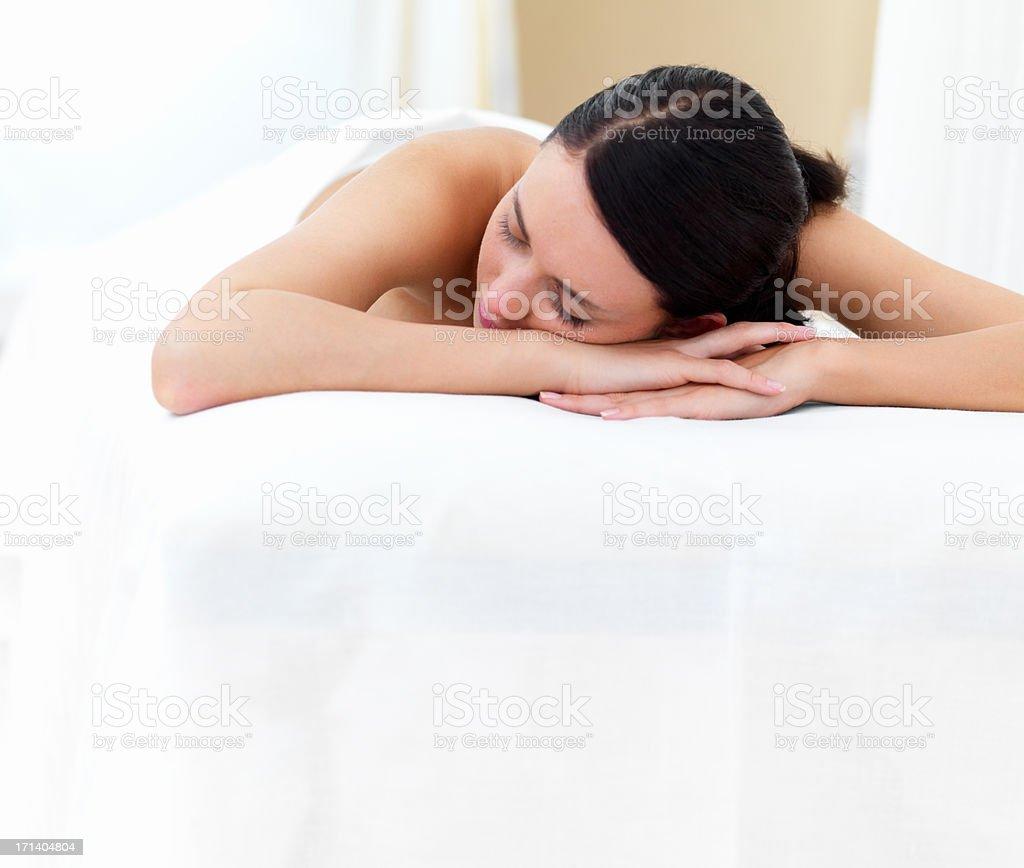 Nackt Junge Frau Entspannung im spa-center – Foto