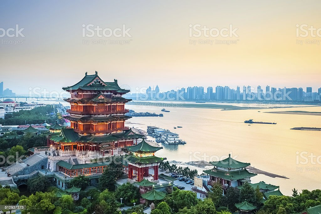 nanchang tengwang pavilion in der Dämmerung – Foto