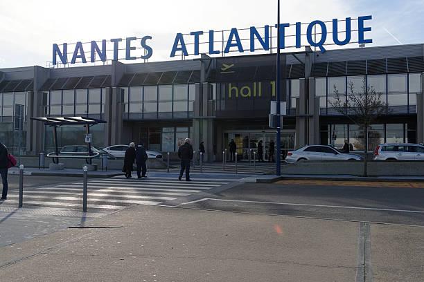 nantes airport france - nantes photos et images de collection
