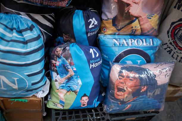 naples, italy - maradona foto e immagini stock