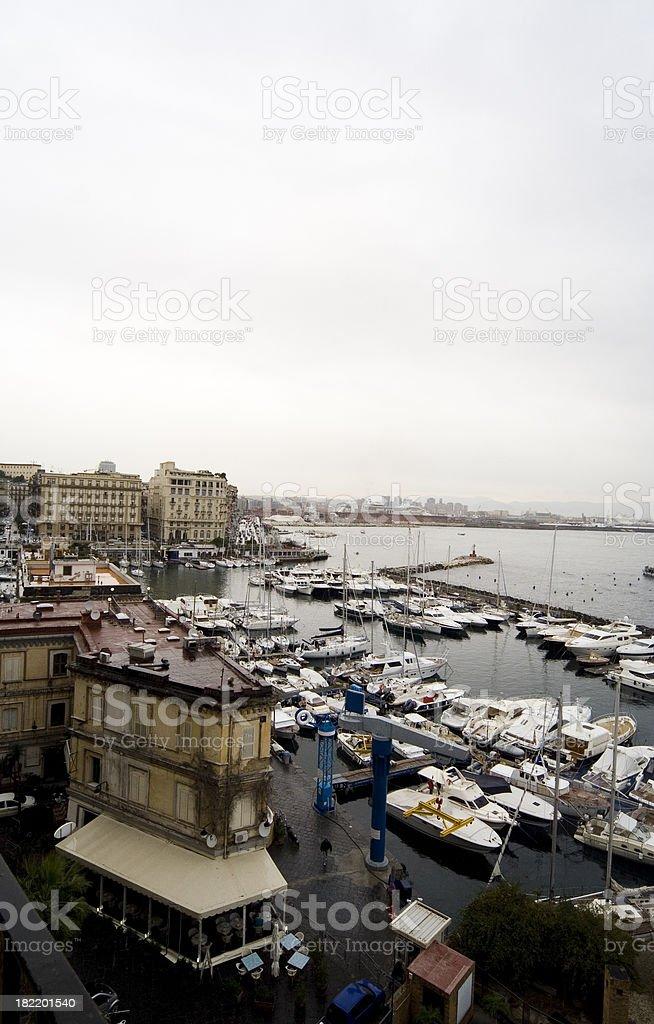 Napoli marina visto da Castel dell'Ovo - foto stock