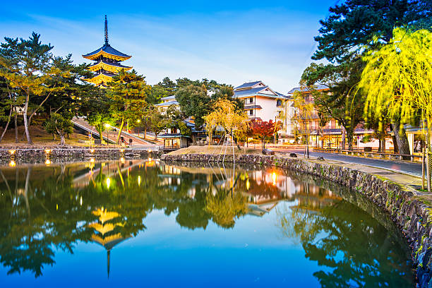 日本の奈良 - 寺院 ストックフォトと画像
