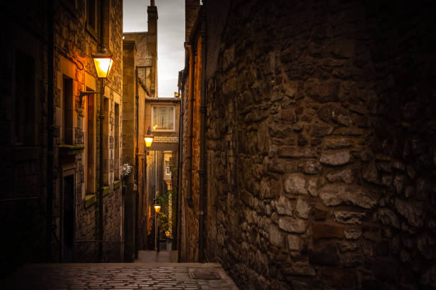 Narrow close (alleyway) in Edinburgh, Scotland stock photo