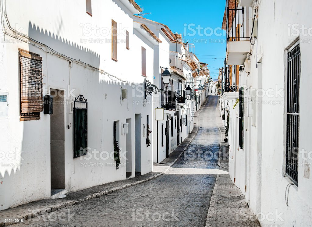 Schmale Straße von Altea, Costa Blanca. Spanien – Foto