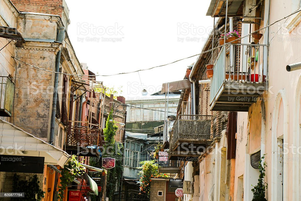 Narrow streets of Old Tbilisi zbiór zdjęć royalty-free