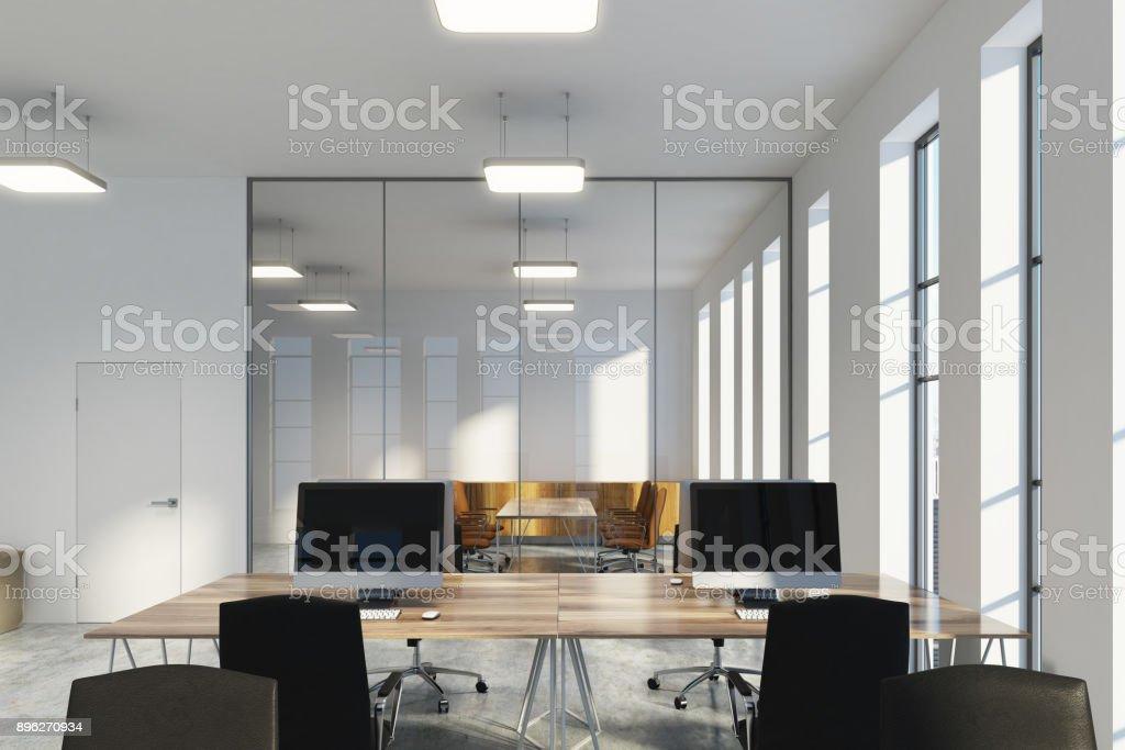 Schmale Fenster schmale fenster open space büros stock fotografie und mehr bilder