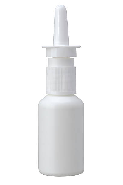 Nasenspray Flasche isoliert auf weißem Hintergrund. – Foto