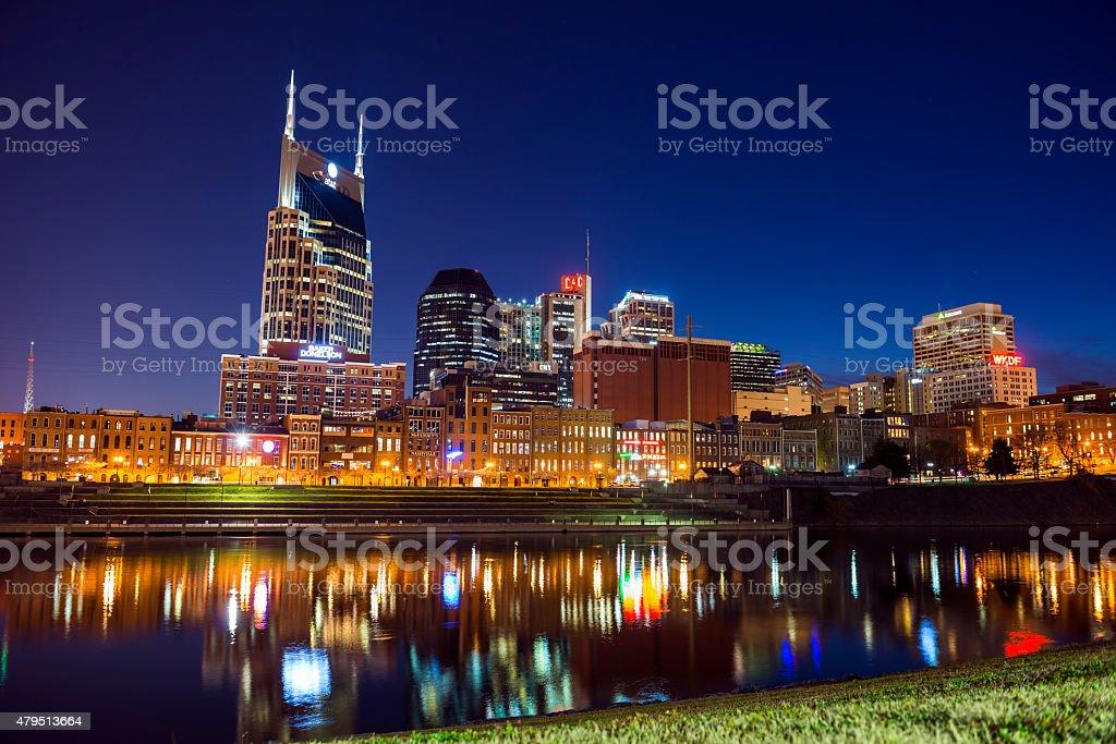 skyline von Nashville bei Nacht – Foto