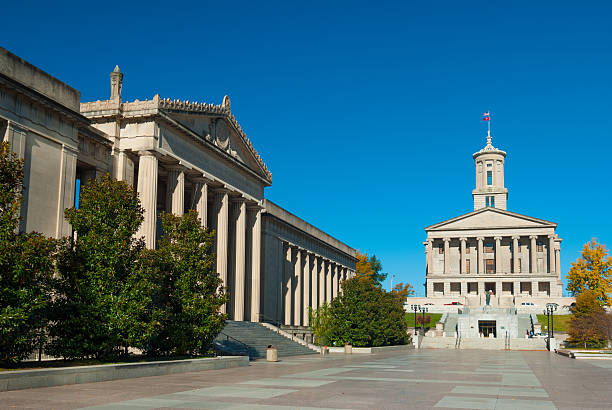 nashville war memorial plaza and tennessee state capitol - war memorial stock pictures, royalty-free photos & images