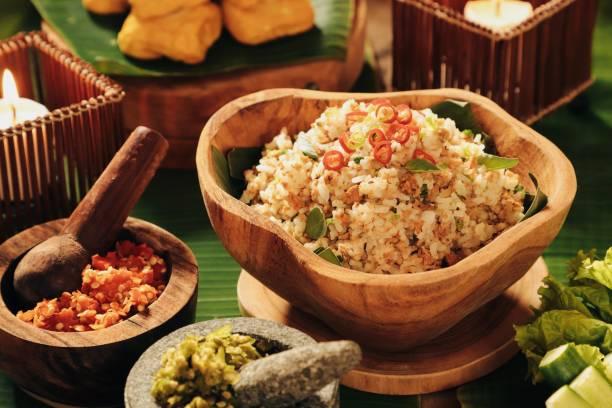 nasi tutug oncom, nasi goreng sunda dengan oncom - nasi tutug oncom potret stok, foto, & gambar bebas royalti
