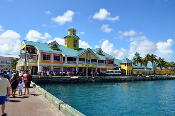 nassau harbor - nassau new providence stockfoto's en -beelden