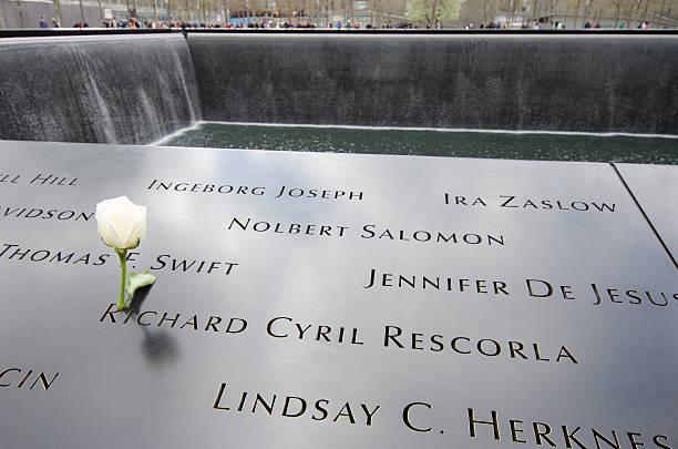 national 9/11 memorial am ground zero - morgan stanley stock-fotos und bilder