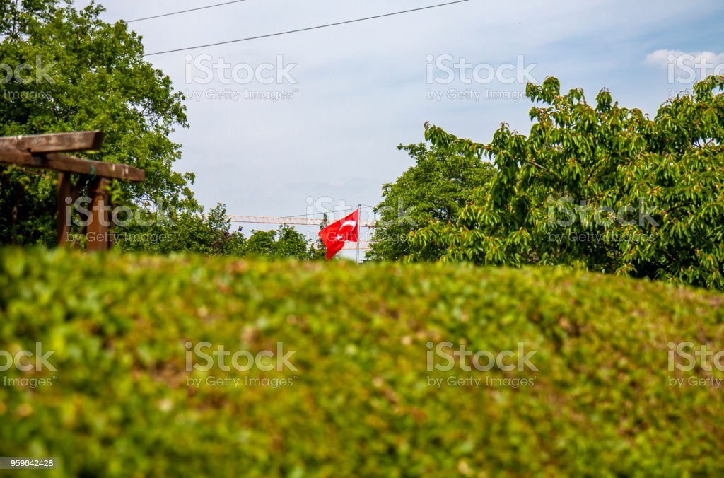 Bandera Nacional de República de Turquía que agita en Alemania - Foto de stock de Abrazar libre de derechos