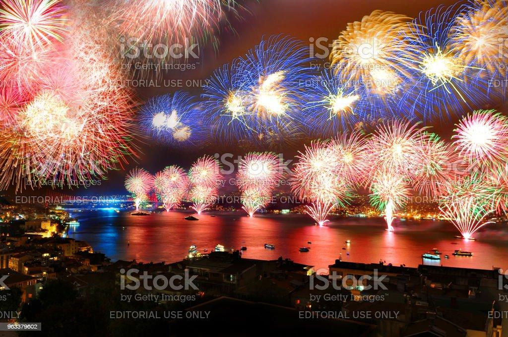 National holiday celebrations and fireworks display in the Bosphorus Bridge/istanbul,Turkey - Zbiór zdjęć royalty-free (Bez ludzi)