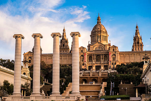 mnac, national museum of art of catalonia - carlosanchezpereyra fotografías e imágenes de stock