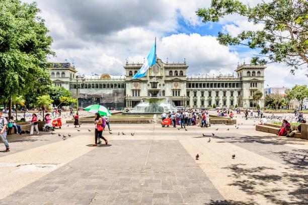 national palace of culture, plaza de la constitución, guatemala-stadt, guatemala - guatemala stadt stock-fotos und bilder