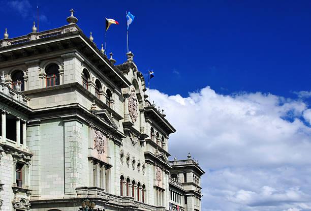 nationalpalast von guatemala - guatemala stadt stock-fotos und bilder
