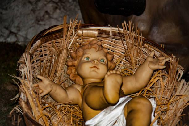 nativity scene. jesus christ. xmas 2016, france - batalina madonna стоковые фото и изображения