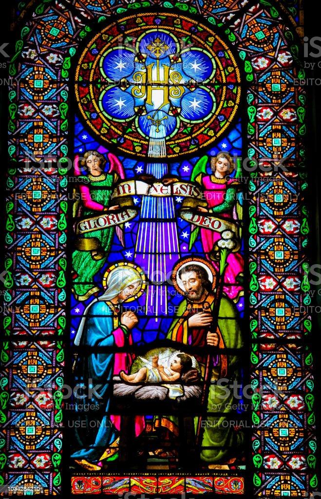 Scène de la Nativité - vitrail - Photo