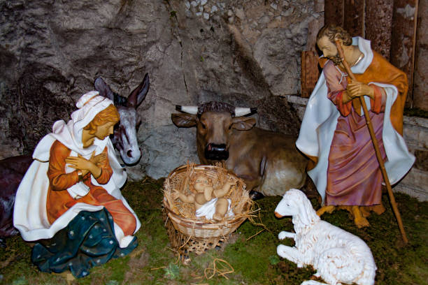 nativity scene. xmas 2016, france - batalina madonna стоковые фото и изображения