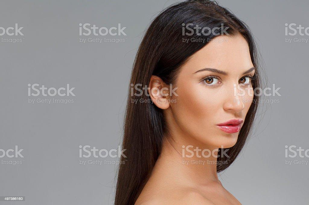 Młode piękne czarne kobiety