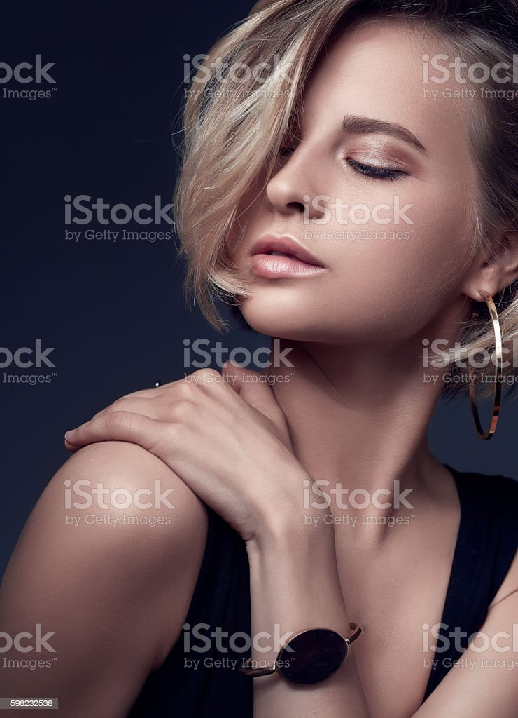 Natural Beauty with sexy lips with clean face. foto royalty-free
