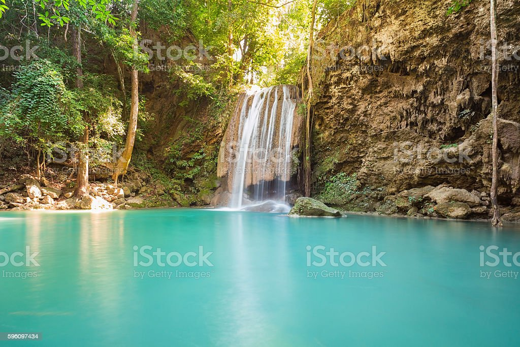 Natural blue stream waterfalls in tropical forest Lizenzfreies stock-foto
