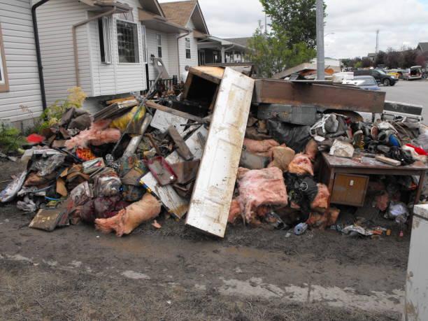 natural disaster aftermath - oggetti personali foto e immagini stock